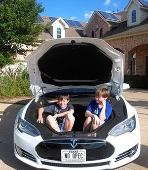 See Electric Vehicles on the DFW Solar Tour!
